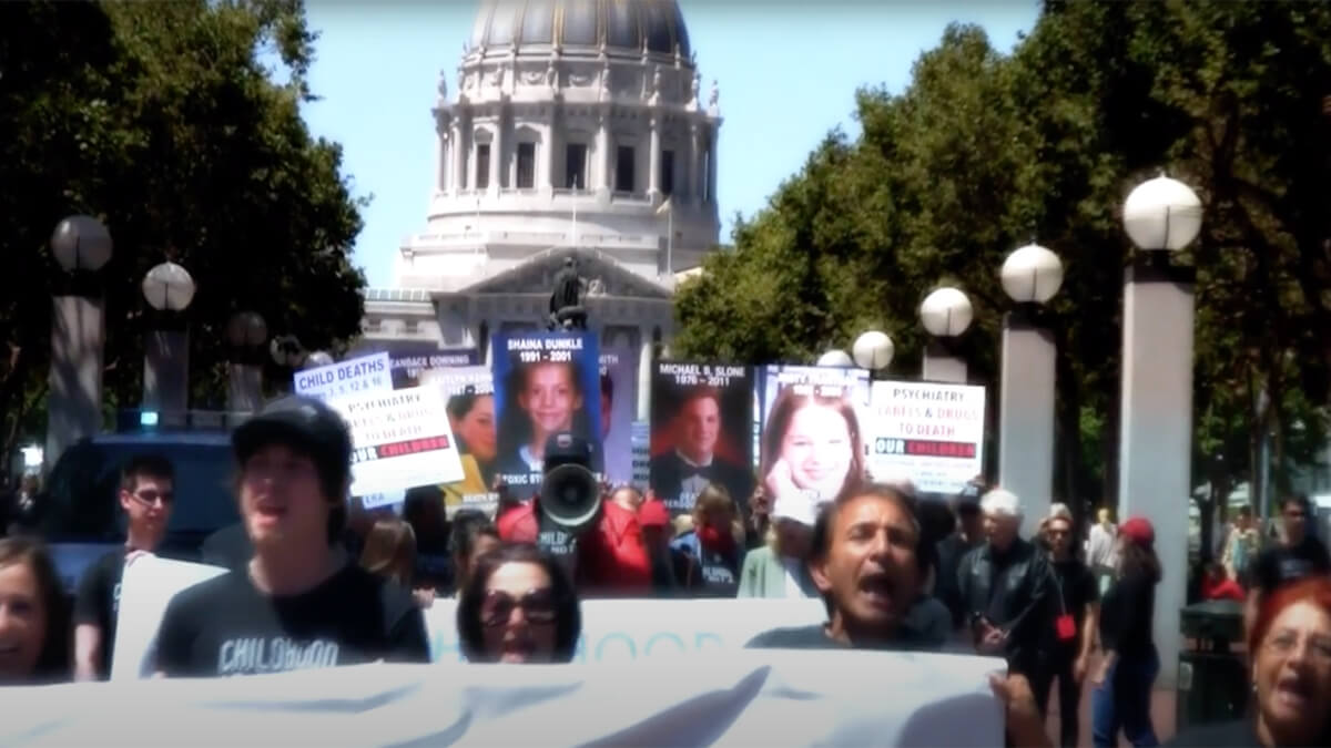 Le Nouveau-Mexique interdit la prescription forcée de drogues psychiatriques aux enfants