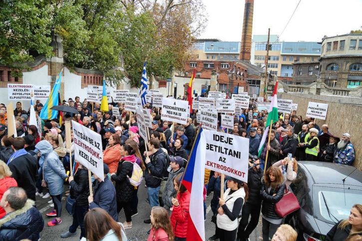 Budapest – Manifestation pour l'abolition de l'électrochoc